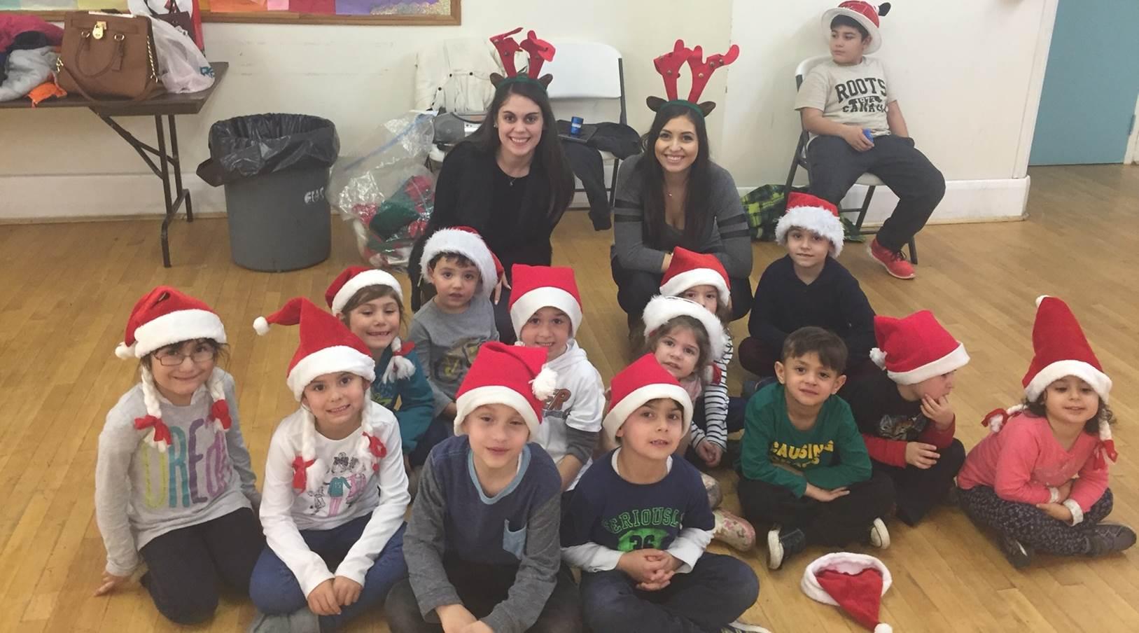 kids-santa-hats